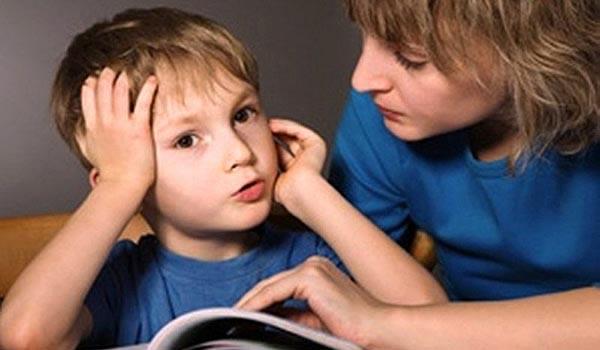 Çocuğun konuşma gelişimi için onunla konuşun ve kitap okuyun!